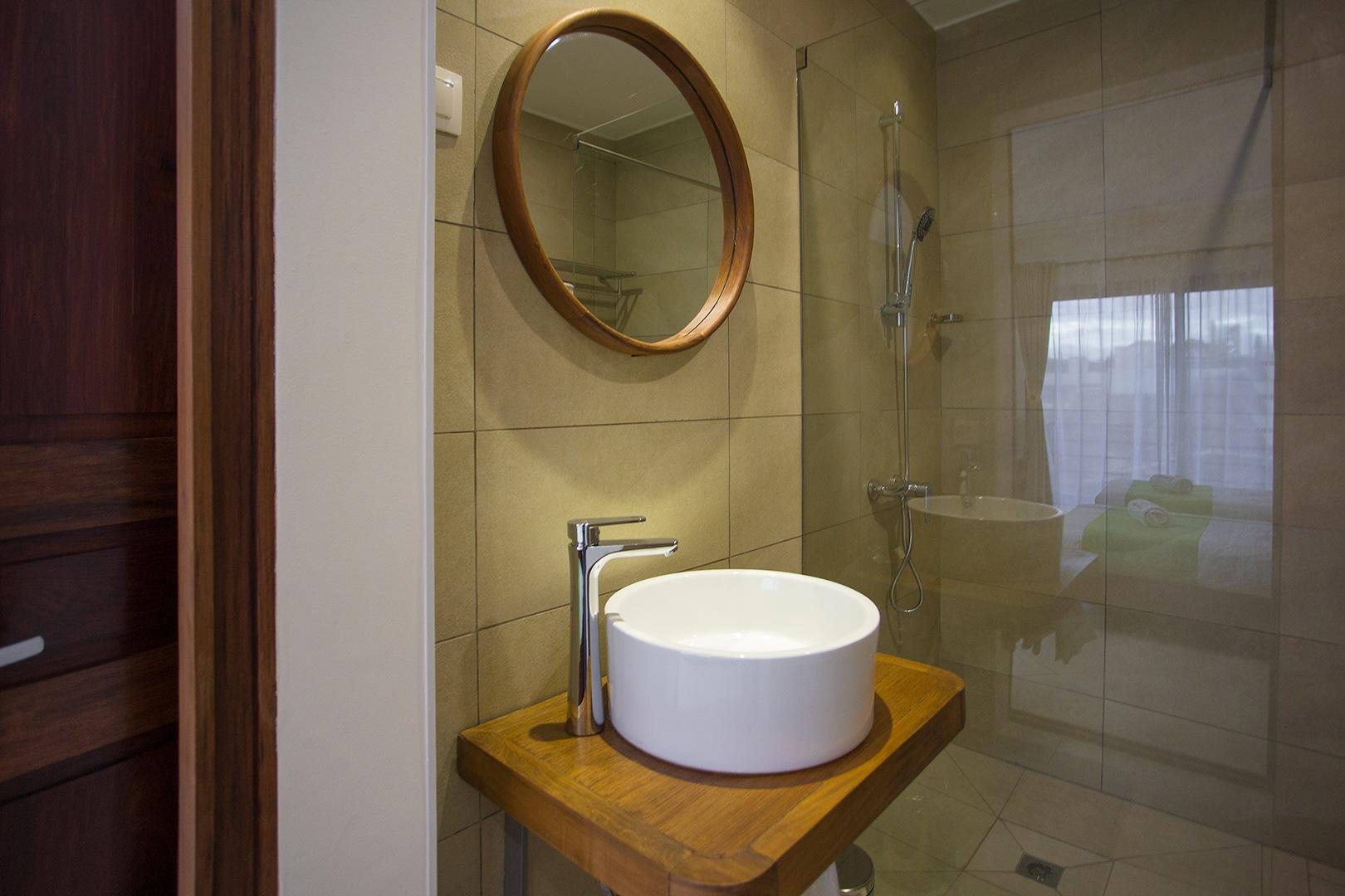 Tsanga Tsanga Superior Double Room Bathroom